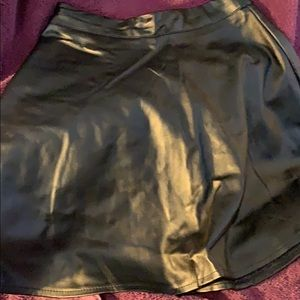 Forever 21 Black Pleather Skirt Size Small